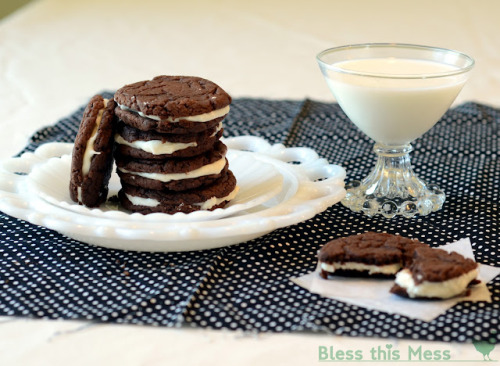 gastrogirl:  soft homemade cake mix oreos.