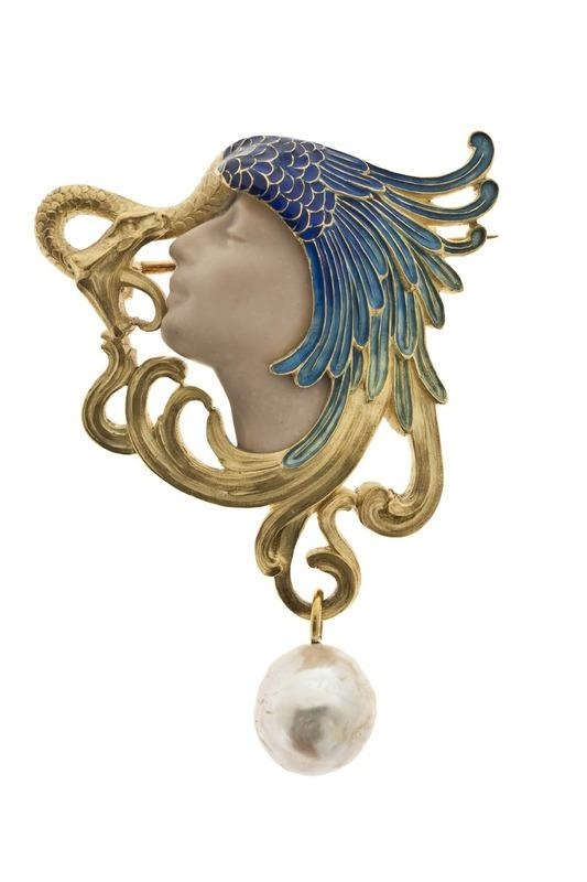 fuckyeahlalique:  Brooch. Rene Lalique (1860-1945). Ca.1898. Gold, pearl, enamel, glass.
