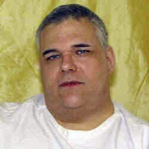 "An interesting defence: U.S. man says he is too fat to be executed A condemned Ohio inmate who weighs 480 pounds (218 kilograms) and has a history of difficulty losing weight argues he would face a ""torturous and lingering death"" if executed in January.Ronald Post, who shot and killed a hotel clerk in northern Ohio almost 30 years ago, said his weight, vein access, scar tissue, depression and other medical problems raise the likelihood his executioners would encounter severe problems. He's also so big that the execution gurney might not hold him, lawyers for Post said in federal court papers. (AP Photo/Ohio Dept. of Rehabilitation and Corrections)"