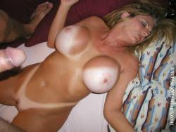 sexytanlinesdana:  Dana getting cummed on!      (via TumbleOn)