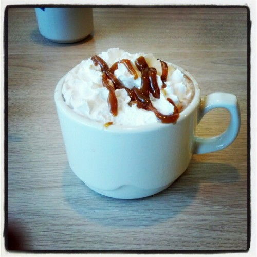 #Caramel + #hotchocolate? Yes, please. (Taken with Instagram)