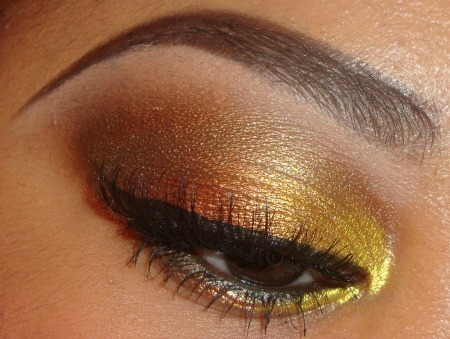 Gold, Bronze and Brown E/S Tutorial (nice for fall) here   http://youtu.be/R0q9wkVmXzw you can see more videos and   subscribe here http://www.youtube.com/user/makemeupbywhitney