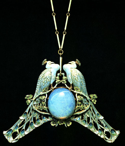fuckyeahlalique:  cathedralwoods:  Rene Lalique.   Necklace with two peacocks. Rene Lalique (1860-1945) Gold, enamel, opal. ca. 1897-1899
