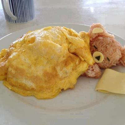 awwww… how can anyone eat that >o<