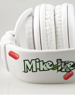 MIKE'S MUSIC NEW HEADPHONES 09.18.12 / by Mike How sick are these new Aerial7 headphones?  ~Mike