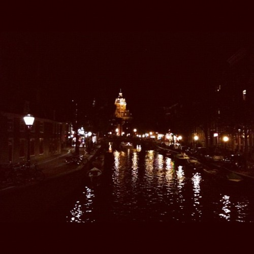 Amsterdam by night. #thenetherlands #holland #bridge #canal #travel #grownupgapyear  (Taken with Instagram at Oude Hoogstraat)