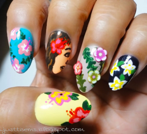 Cute Hawaiian-themed nails from Emmie S.!