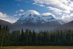 mountainousness:  Mount Robson South Face by Jeff Pang on Flickr.