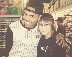 loveforchristophabrown:  stalker sarah. ._.