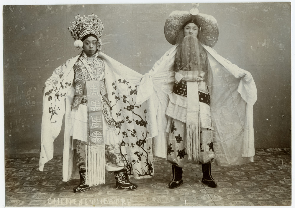 sisterwolf:  Peking Opera performers via