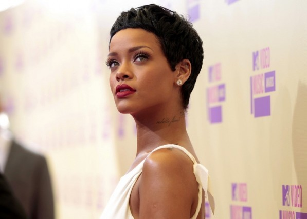 Rihanna Leads 2012 MTV Europe Music Awards With Six Nominations