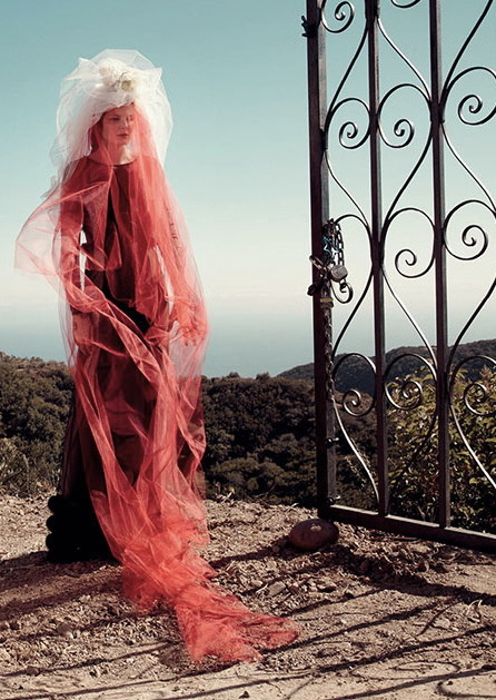 Document No. 206Document Journal #1 Fall 2012Eniko Mihalik by Sofia Sanchez & Mauro Mongiello