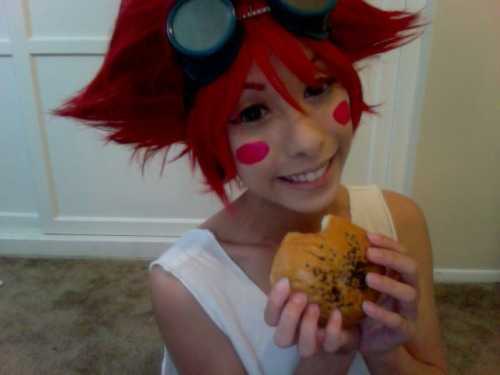 kawaiihimesama:  Ed is super excited to eat her anpan!