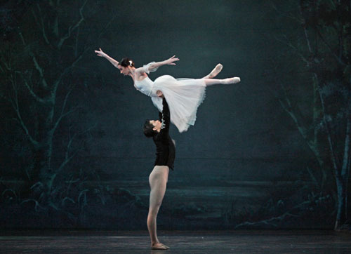 madhomance:  Danielle Rowe and Jun Shuang Huang in Houston Ballet's Giselle, staged by Ai-Gul Gaisina. Photo by Amitava Sarkar