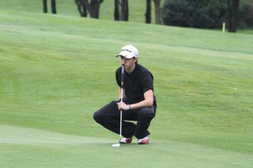 havingthelastword:  Niall playing golf in Dublin. (09/13/12)