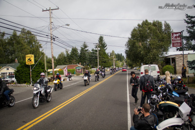 A TON of bikes arriving at VME's Isle of Vashon TT from the ferry. IT'S LIKE THEY GO ON FOREVER!