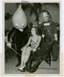 "Florida fresh, 1939.  We had a super fun time over the weekend!! Life is much richer when you can enjoy great music with good friends.  I can't wait to go back, so thank you St. Augustine. :) P.s. ""Creepy"" photo inspired by Devo lol."
