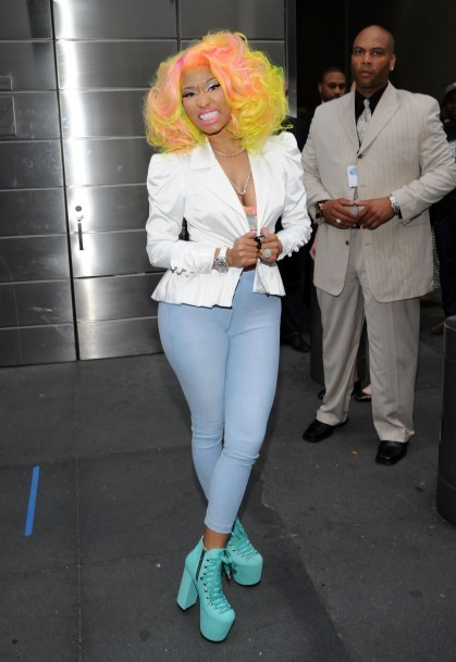 gfy had some snark about this because they are blind to the glory of minaj but GIRL WE'RE HAIR TWINS & I LUV UR HELLBOUNDZ
