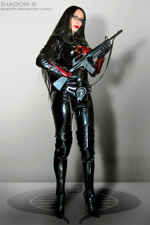 lj7stkok:  The baroness cosplay by ~Daelyth on deviantART  I'd be her Destro any day ;)