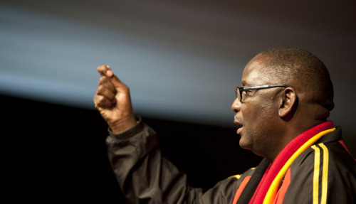 Vavi: Down with corruption, forward with Lula  He's pushing for the sort of change that transformed Brazil, but analysts reckon only one leader can take South Africa there: Zwelinzima Vavi himself.  (read further)