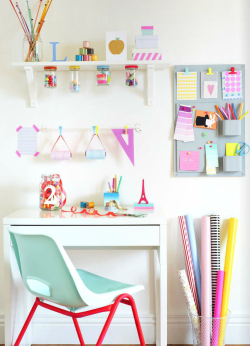 cheerful ideas for the crafting spot!