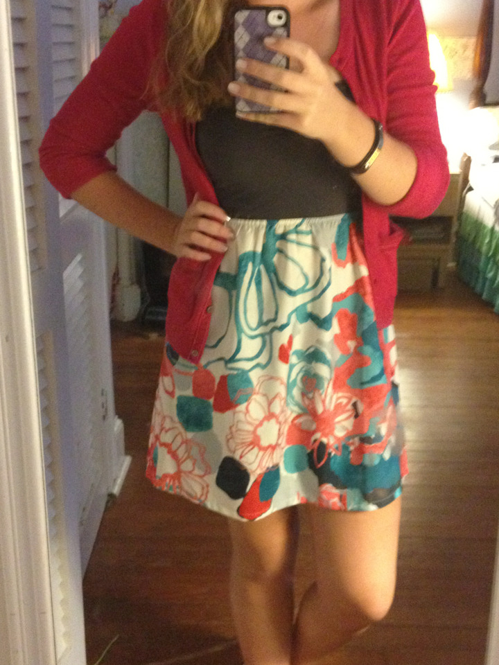 classwithapinchofsass:  OOTD: game day  Super cute!