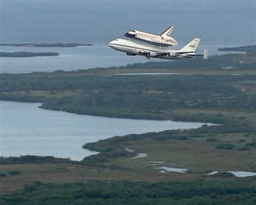 Shuttle Endeavour begins final cross-country piggyback trek (Photo: NASA) CAPE CANAVERAL, Fla. — For the last time in history, a space shuttle soared into the skies over Florida on Wednesday. Rather than riding on rockets and heading into orbit, however, Endeavour was mounted atop a jumbo jet and is destined for display at a California museum. Read the complete story.
