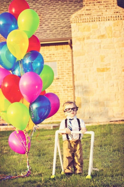 buzzfeed:  This 2-year-old's Up party is the most adorable thing that's ever happened.  PRECIOUS.