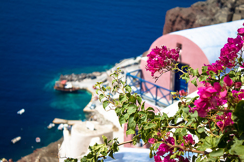 fyeahgreekislands:  Santorini, Greece. (by ChristyB30)