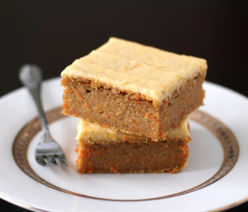 oohhhbaby:  carrot cake blondes with orange frosting