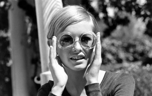 ciel-vide:  Twiggy in California during her first visit to the U.S., 1967.