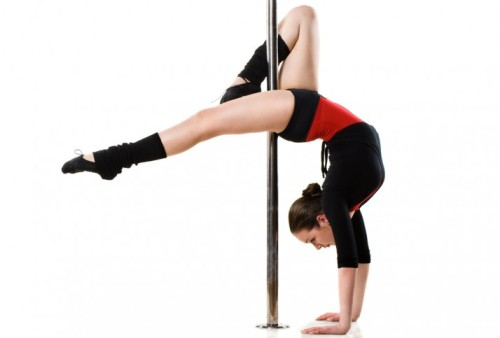 HOW A NICE GIRL FROM KANSAS FOUND HERSELF POLE DANCING ON VACATIONby Diets In Review http://bit.ly/QlKCaq