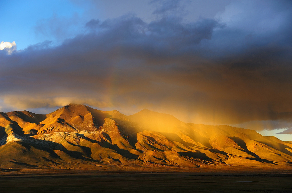 There was a rain of gold over the Gangtise Mountain Range, Tibet (by reurinkjan)