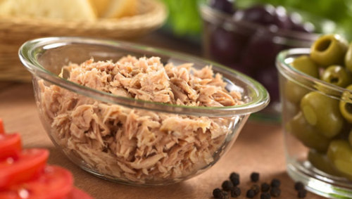 mothernaturenetwork:  School tuna contains too much mercuryResearchers recommended replacing tuna with 'other kinds of nutritious seafood,' particularly for those kids who eat a lot of tuna.  Pass this one along to your school lunchroom.