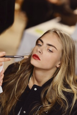 Burberry Prorsum Spring 2013 Backstage Beauty - Cara Delevingne