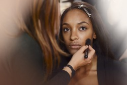 Burberry Prorsum Spring 2013 Backstage Beauty - Jourdan Dunn