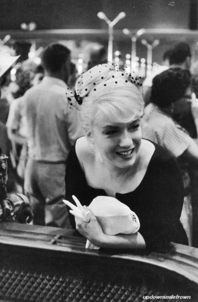 updownsmilefrown:  Marilyn Monroe in a casino during the filming of The Misfits, Reno, Nevada, 1960. by Inge Morath