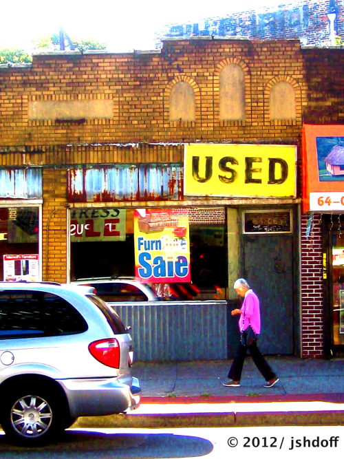 Sunday morning : Used (woodside, queens, ny)