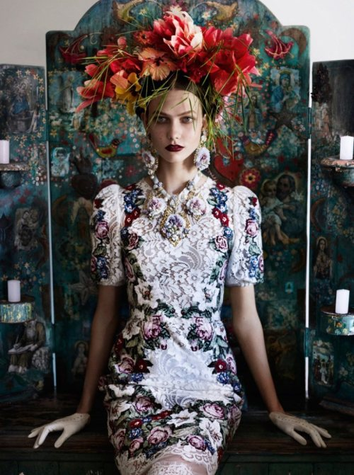 Karlie Kloss by Mario Testino for Vogue US, July 2012
