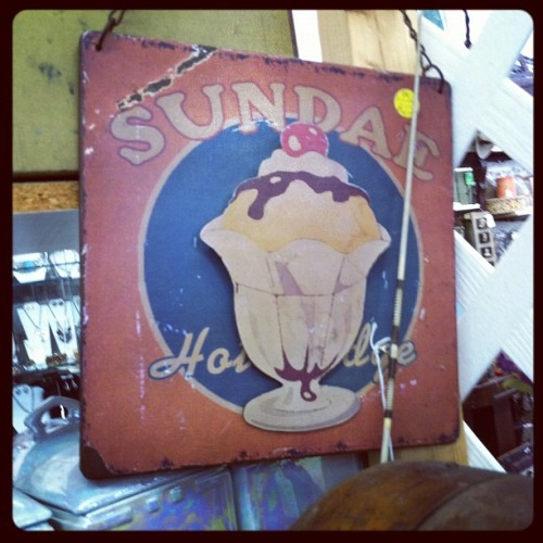 #vintagesign #icecream #1950s (Taken with Instagram)