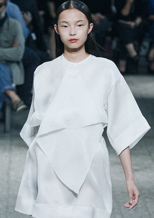 american-idolatry:  Xiao Wen Ju at No.21 S/S 2013