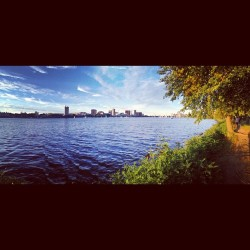 lillylicious:  #panorama #charles #river #esplanade #charlesriver #peaceful #view of #cambridge #lomo #instagram #follow #photo #boston #america #love #100likes #photooftheday #bestoftheday #popular #photography #igersboston #iheartboston #bostonusa (Taken with Instagram at Charles River Bike Path)  dat cambridge
