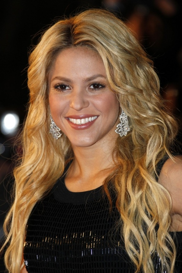 Shakira Pregnant with First Baby, Makes Happy Official Announcement on Website (via Mstarz)