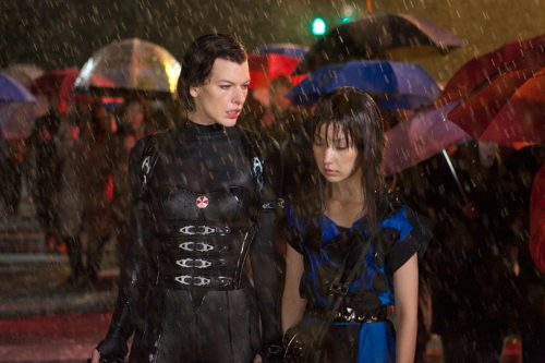 I saw Resident Evil: Retribution today. This one was pretty entertaining, although I didn't care for the costumes (why do female action heroes always have to be wearing something over-sexualized?). I'd give it a 7/10.  (high-res)