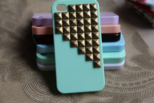 I LOVE THIS ETSY SO MUCH aaah these iphone cases are perf omg and there are so many different cases to choose from bless i'm overwhelmed