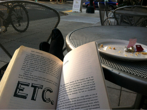 rushmoreacademylatinclub:  My afternoon consisted of reading (Kurt Vonnegut, Breakfast of Champions), people watching, tea, and catching up with a cute boy. Not bad at all.   one of my favorite books
