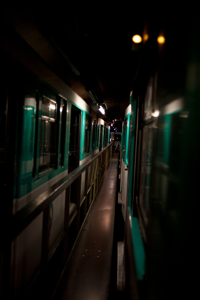 vandalsandtrains:  Photo by Stefan Are you guys interested in seeing more pictures like this?