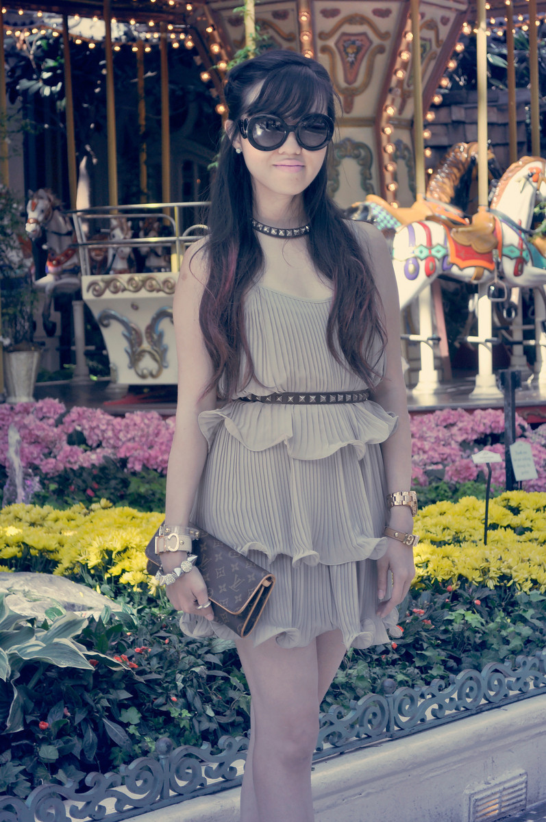 Rachel - Bellagio, Las Vegas  H&M Dress | Sam Edelman Sandals | BCBGeneration Bracelets