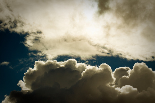 iantlers:  Afternoon rain clouds by -JosephB- on Flickr.