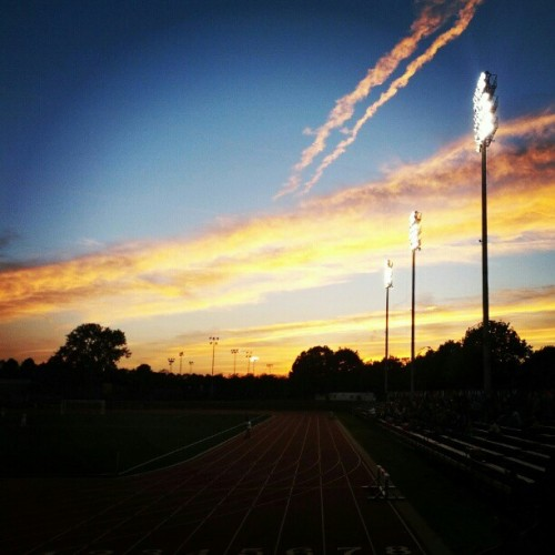 xjaymzx:  #iupui #sunset #indianapolis #soccer (Taken with Instagram)